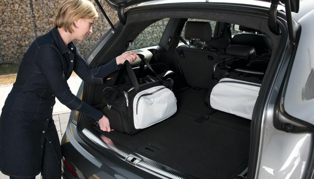 OVERDREV: Audi Q7 har godt med bagasjeplass, men ikke så godt som Audi oppga, ifølge en test gjennomført av Auto Bild. FOTO: Audi