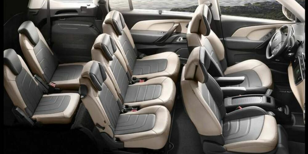 PLASS TIL SJU: Citroën lover klasseledende plass for folk sittende på både andre og tredje seterad. Bagasjeromsvolumet er 645 liter med tredje seterad slått ned.