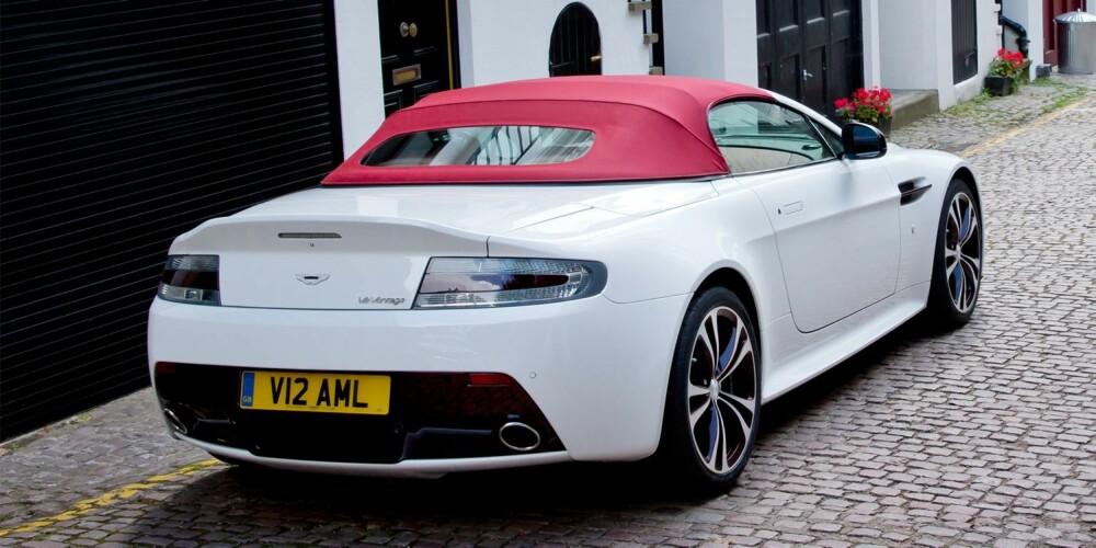 WAGS: Er det noen fotballfruer her?. FOTO: Aston Martin