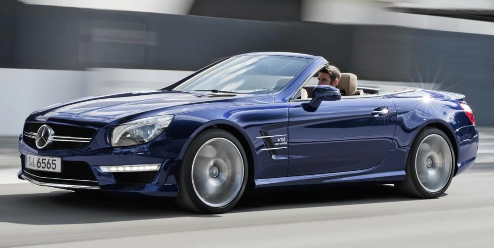 KAPASITET: 630 hk og 1000 Nm fra en 6,0-liters V12-motor med to turboer. Så vel toppfart som maksimalt dreiemoment er strupt. Det er faktisk rom for mer. FOTO: Daimler AG
