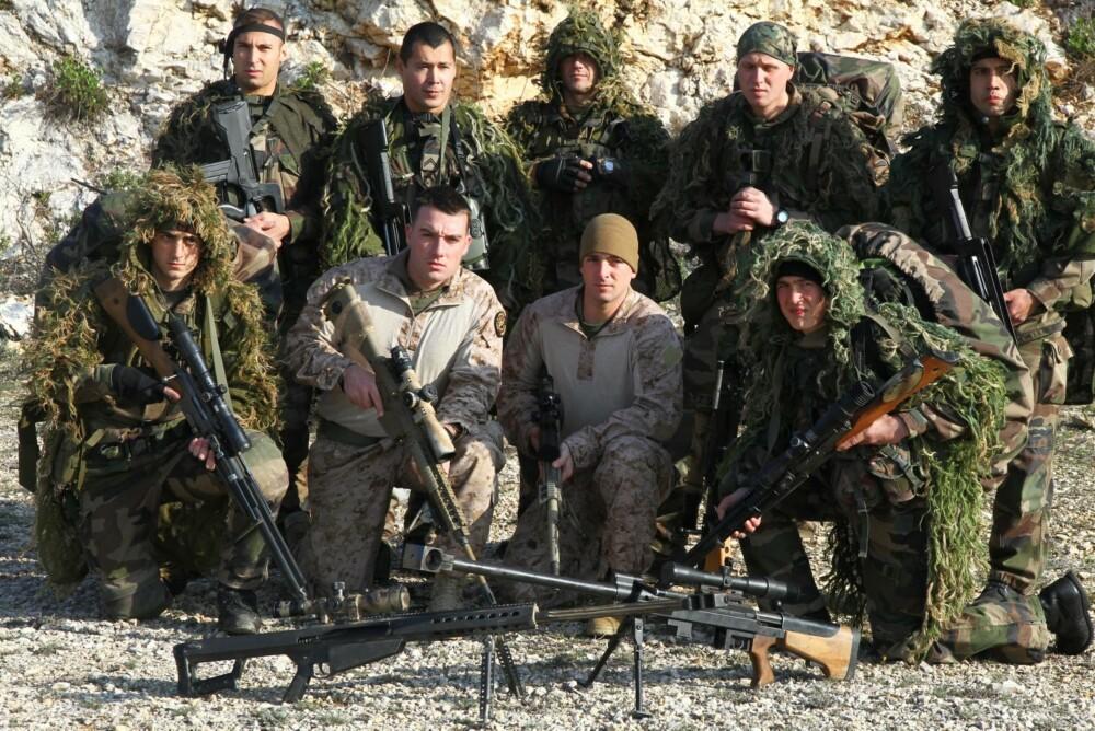 Her forbereder fremmedlegionen og US Marines seg til skarpskyting.