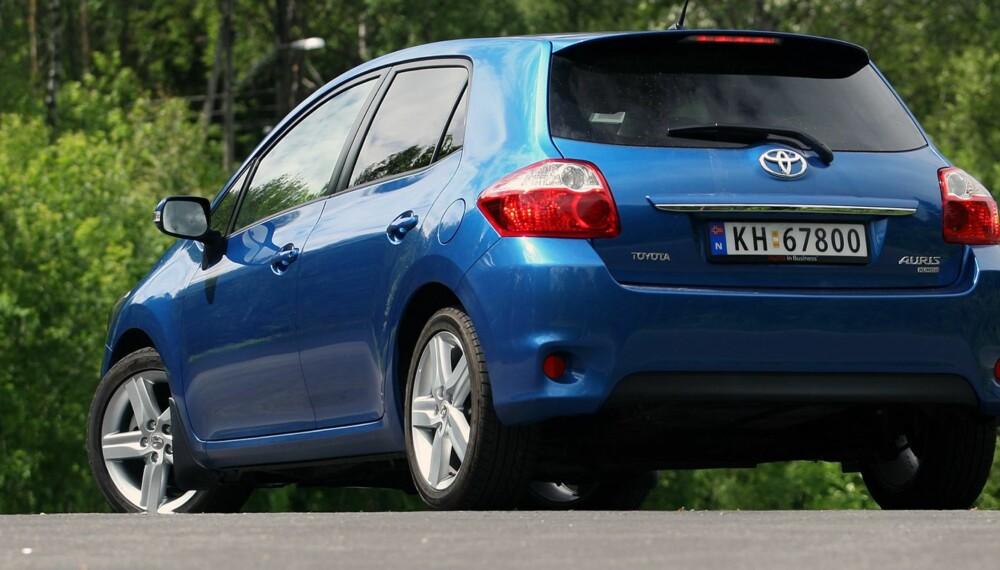 COROLLAS ARV: Er du på jakt etter en bruktbil med minst mulig trøbbel, kommer du ikke utenom Toyota Auris. Foto: Egil Nordlien, HM Foto