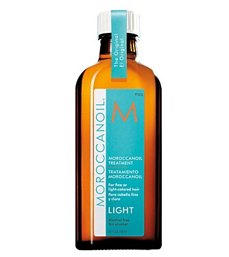 LIGHT-VARIANT: Moroccanoil har tatt sine blonde kunder på alvor, og har laget en versjon der de lover på tro og ære at den ikke skal misfarge håret, uansett hvor lyst eller slitt det måtte være.