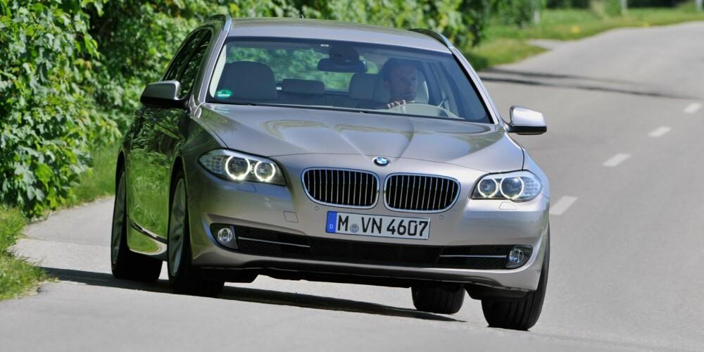 RIVALEN: BMW 530d Touring. FOTO: BMW
