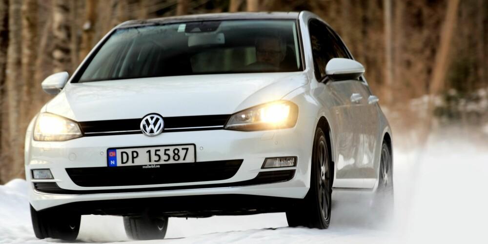 GOLFSLAGET: VW Golf med bensinturbo banker dieselalternativet til omtrent samme pris. FOTO: Egil Nordlien, HM Foto