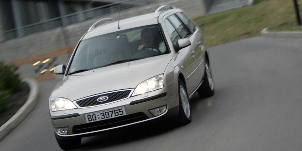 TYPISK STASJONSVOGN: En Ford Mondeo av forrige utgave er rommelig, men bør ifølge Dekra sjekkes godt. FOTO: Egil Nordlien, HM Foto