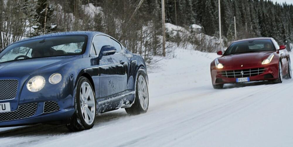 PÅ TOUR: Bentley Continental GT og Ferrari FF.