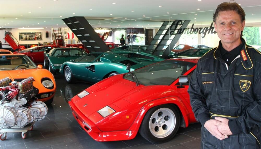 LAMBO-EMTUSIAST: Harald Skjøldt hadde i flere år kjøpt og restaurert sportslige biler da han på en USA-tur ble presentert for en Lamborghini Countach. Flymekanikeren tok helt av over designen og det mekaniske byggverket. Fra da av bare var Lamborghini som gjaldt. FOTO: Egil Nordlien, HM Foto