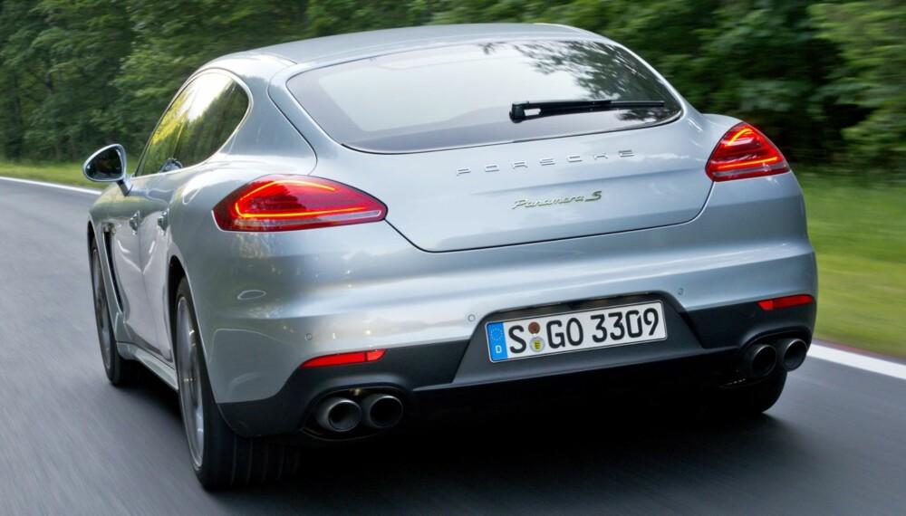 KLIMAKONTROLL: Porsche S E-Hybrid er stor og imponerende rask, uten å etterlate seg gigantiske miljøavtrykk. FOTO: Porsche