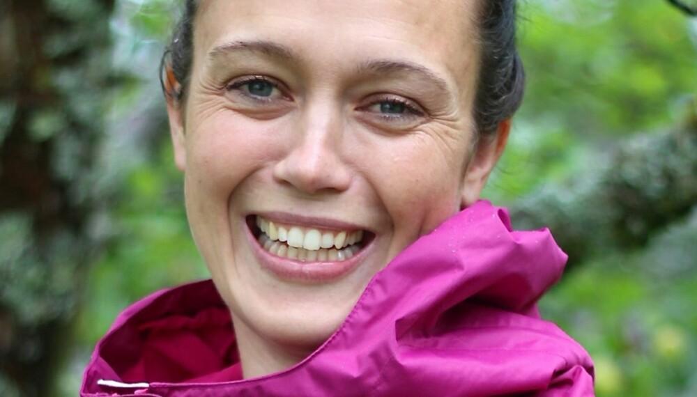 SMERTEFULLT: Etter tre svangerskap, der de to siste kom tett, har bekkensmerter vært en stor del av hverdagen til Anne Marie Svarstad. Hun forsøker likevel å se mulighetene og holde seg aktiv.