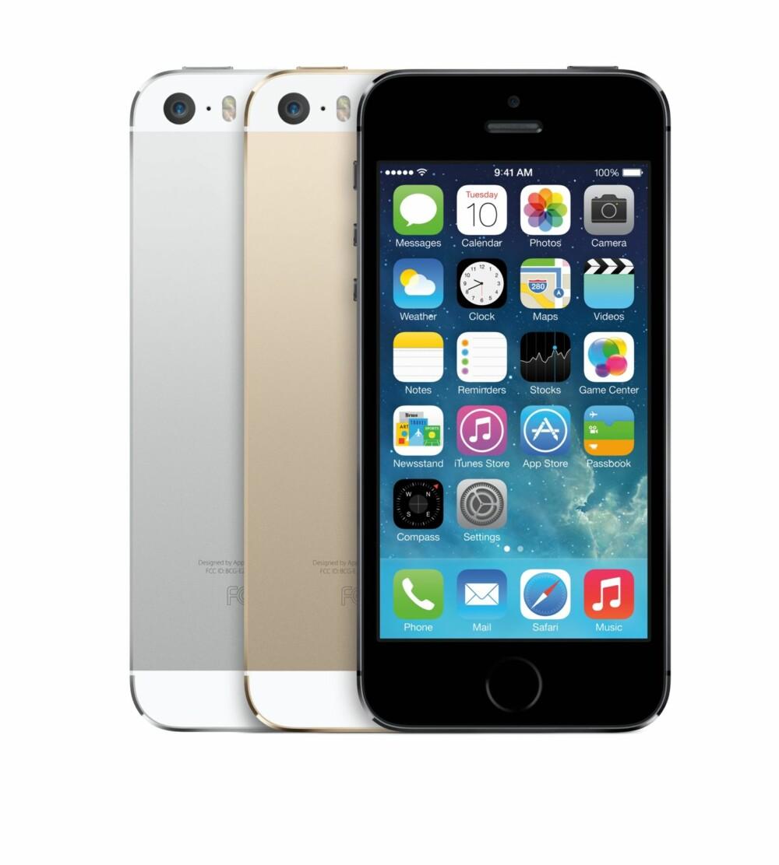NY: Her er nye iPhone 5. Samme formfaktor som iPhone 5, men innmaten er ny. I tillegg har den fått en fingeravtrykksleser og et bedre kamera. Den får også iOS7.