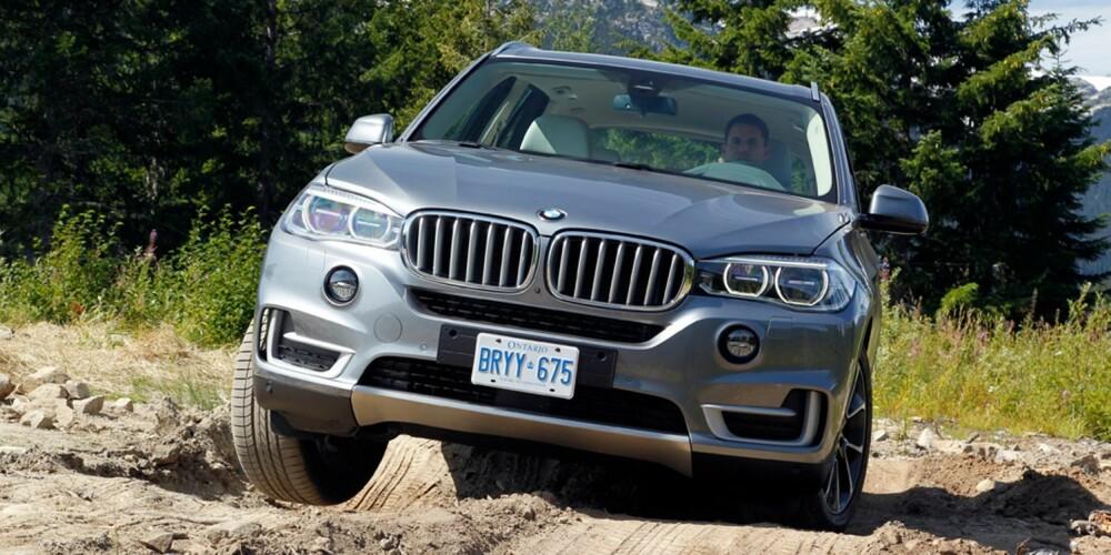 SPINN: X5 er ingen offroader, men dårlige hytteveier bør gå bra. FOTO: BMW