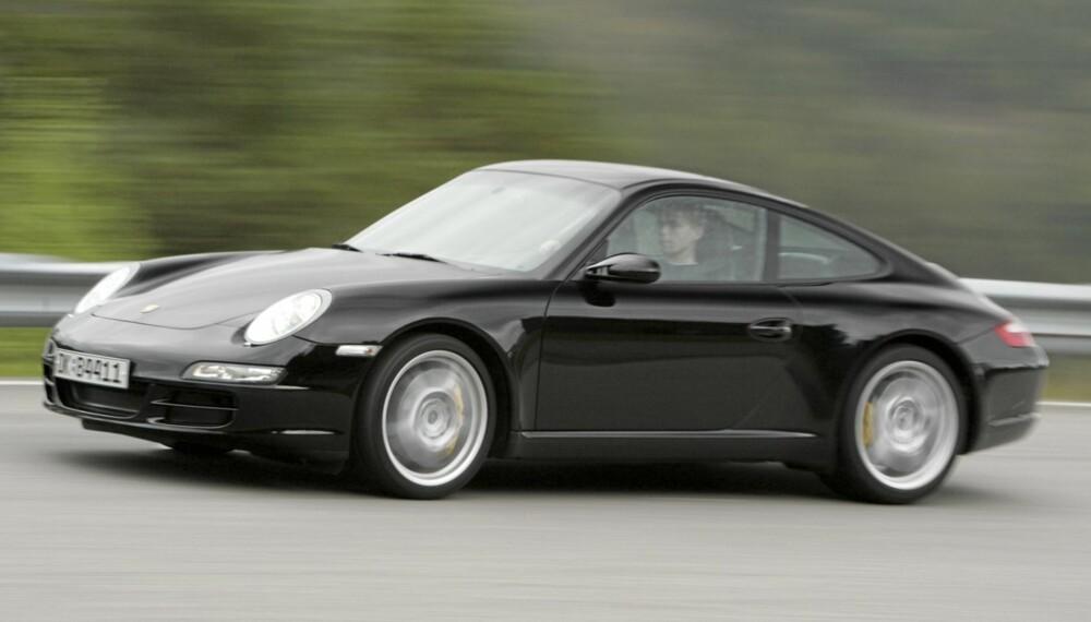 FEILFRI: Porsche 911 tåler alderen uforskammet godt. Foto: Egil Nordlien HM Foto