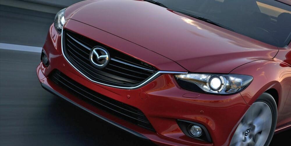 NYTT DESIGN: Nye Mazda 6 utgjør et stort designsprang for modellen. Foto: Mazda