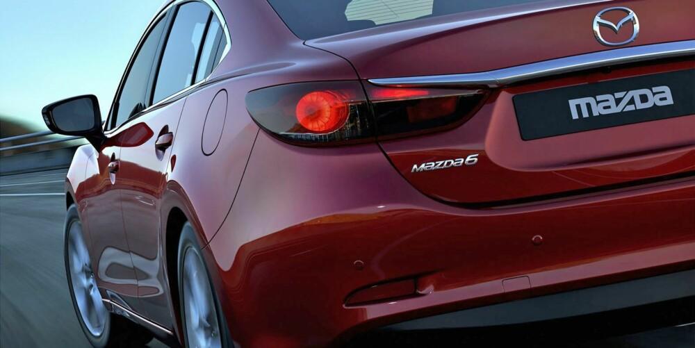 SEDAN: Sedan-versjonen av Mazda 6 lanseres først, men stasjonsvognen kommer like etterpå. Foto: Mazda