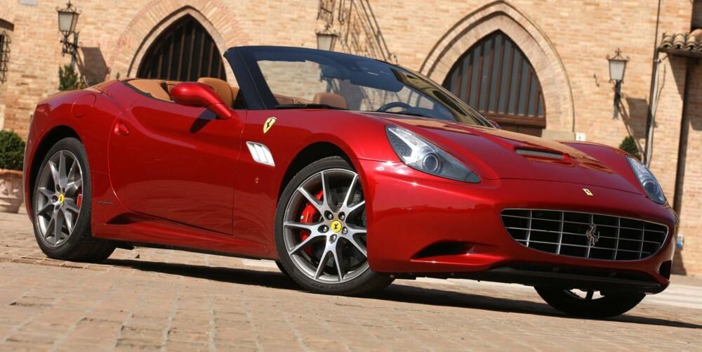 30: Ferrari California 30 - 30 indikerer 30 flere hestekrefter og 30 færre kilo. Foto: Ferrari