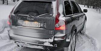 VINTERDEKK: Kjører du SUV og er i tvil om hva slags dekk du skal gå for, så velg piggdekk, mener Kjell Magne Aalbergsjø, som har lang erfaring med test av vinterdekk.