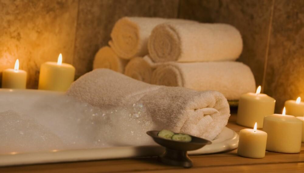 ROLIG: Lisbeth Larsen liker naturlige materialer, og er avhengig av et avslappende bad.