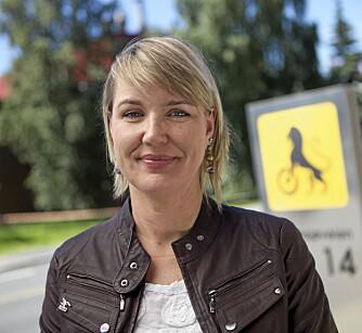 AVGIFTSGLADE: Kommunikasjonssjef Inger Elisabeth Sagedal i NAF mener at bilavgifter må være der for å oppnå en ønsket effekt - ikke bare for å hente kroner til Statskassen. Foto: NAF