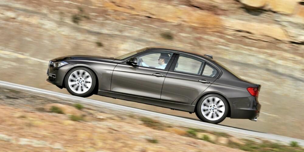 FART: Linjene på siden skal gi inntrykk av fart. Det funker. Foto: BMW