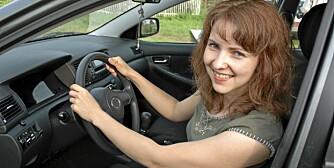 FORNØYD: Det går an å bli en mer fornøyd bileier ved å ta mer bevisste valg. ILLUSTRASJONSFOTO: Colourbox