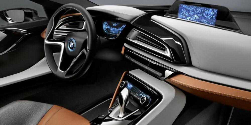 """TEKNO: Navigasjonsenheten samarbeider med hybridstyringen for at forbruk og utslipp skal holdes nede. For eksempel kan batterierne """"""""spares"""""""" til bykjøring. FOTO: BMW"""