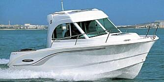 FLERBRUK: 650 er en styrehusbåt som også egner seg til korte ferieturer.