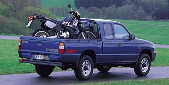 HAR HATT: Mazda B2000