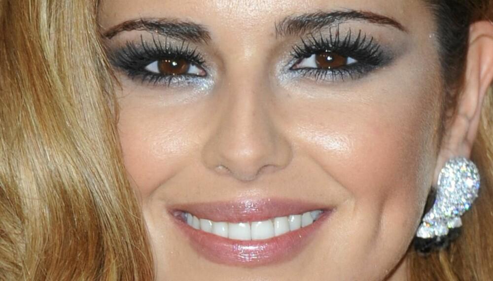 VAKKERT BLIKK: Cheryl Cole (og makeupartisten hennes) kan alle triksene i boka.