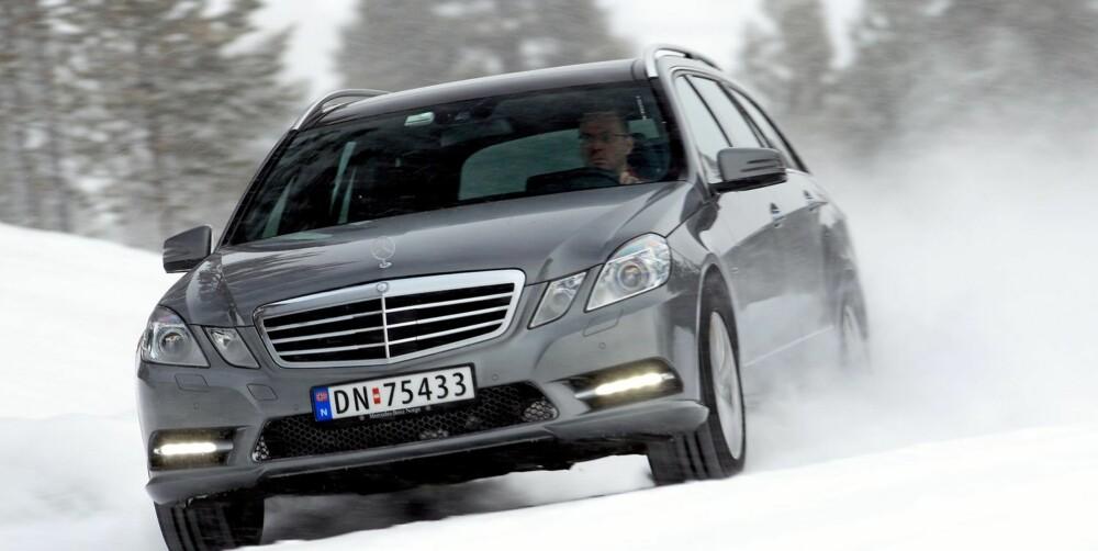 KOMFORT: Tyskerne kjøper Mercedes E-klasse når de vil ha komfort og god plass. Men også de synes den er dyr. FOTO: Egil Nordlien, HM Foto