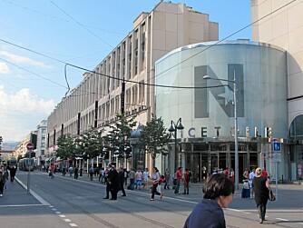 NICE ETOILE: Et stort kjøpesenter som ligger i Avenue Jean Medecin, handlegaten hvor de fleste internasjonale kjedebutikkene holder hus.