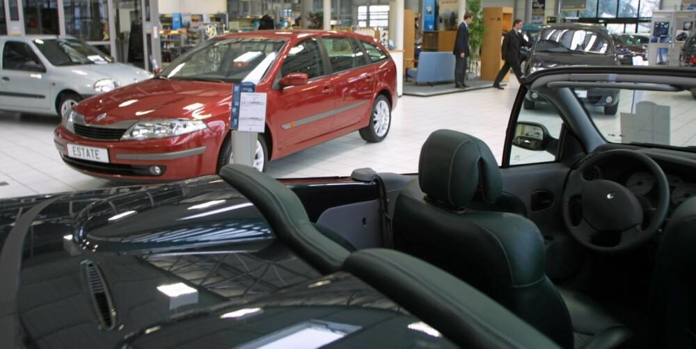 FRISTENDE, MEN...: Ny bil frister mange av oss, men priser og avskrivning avskrekker enda flere. Illustrasjonsfoto: Colourbox.no