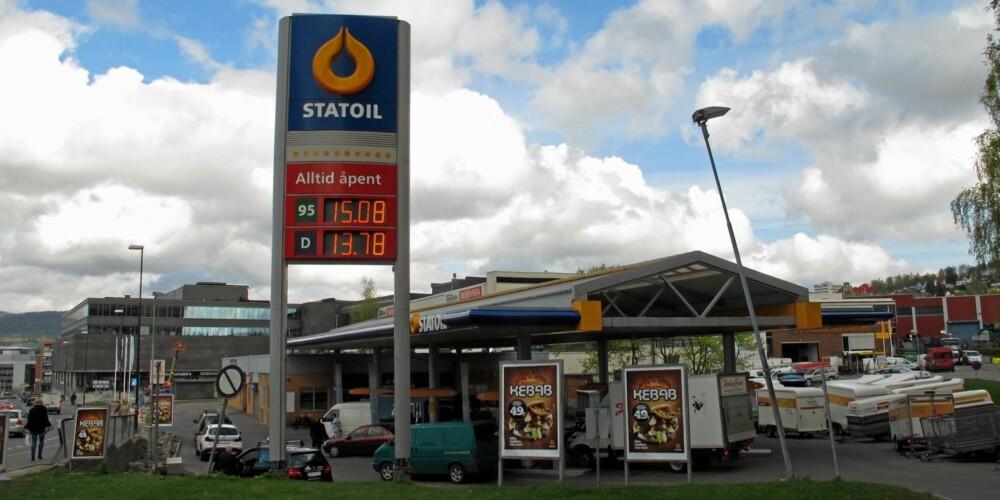 DIESEL BILLIGST: Diesel koster ikke bare mindre enn bensin - dieselbilen er også rimeligere å eie enn bensinbilen. Foto: Geir Svardal