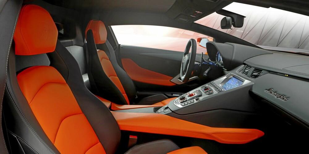 MÅ OPPLEVES: Lamborghini-sjefen sier at bilen må kjøres for å få det rette inntrykket. Vi tviler ikke.