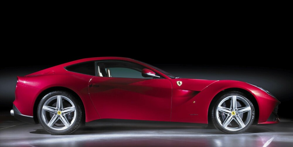 LINJER: F12 Berlinetta er muligens den fineste og mest komplette Ferrari-en noennsinne.
