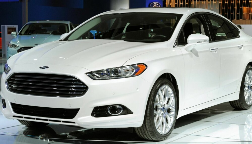 MONDEO: Nye Ford Mondeo får oppblåsbare setebelter i baksetet. Bilen kommer til Norge neste år. Foto: Ford