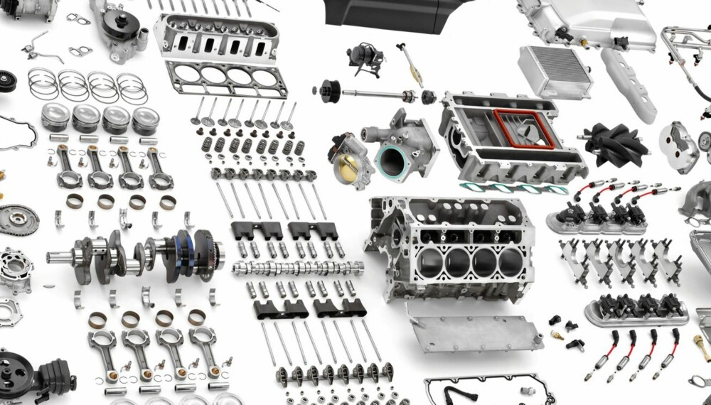 MANGE DELER: Her ser man noen av delene en motor består av. Hva som er hva er ikke så viktig å vite, men det er greit å vite hva slags motor man har i bilen.