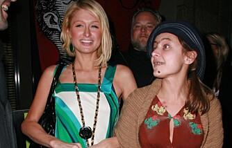 Paris Hilton og Christine Lakin