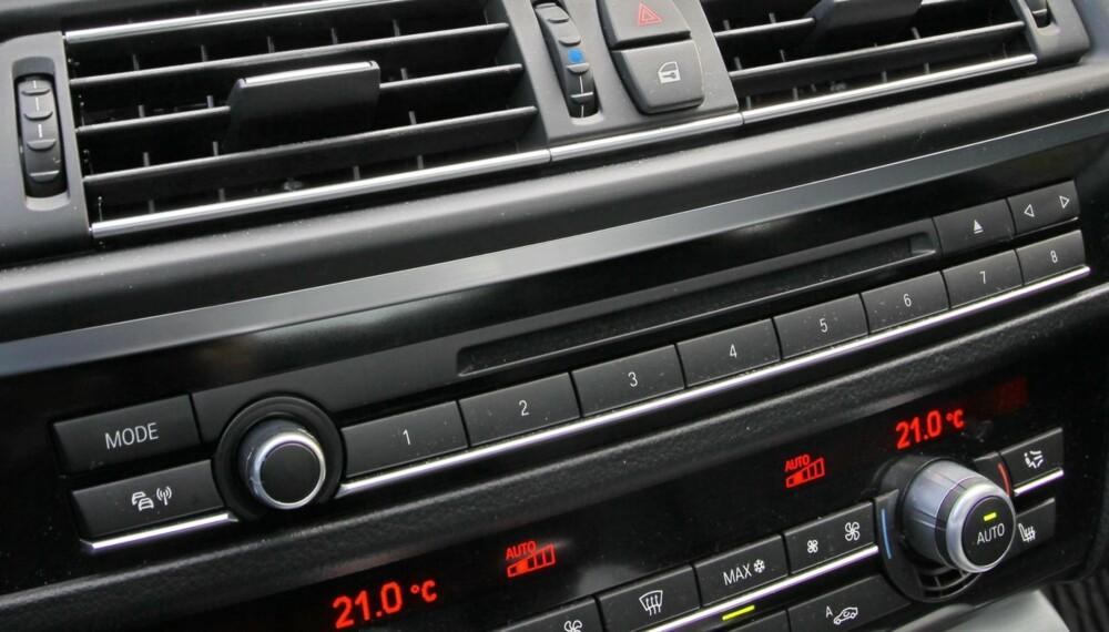 AC: Nesten alle nye biler leveres i dag med aircondition. Og i alle disse danner det seg mugg, sopp og bakterier. Foto: Terje Bjørnsen
