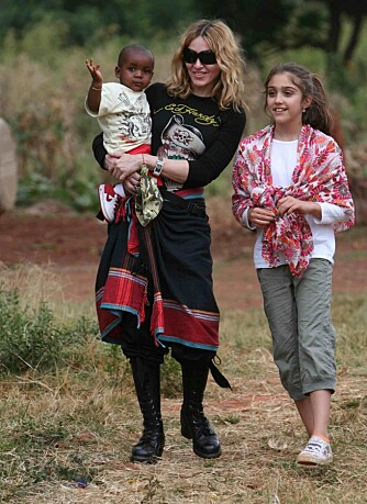 Madonna i Malawi med barna Lourdes og David