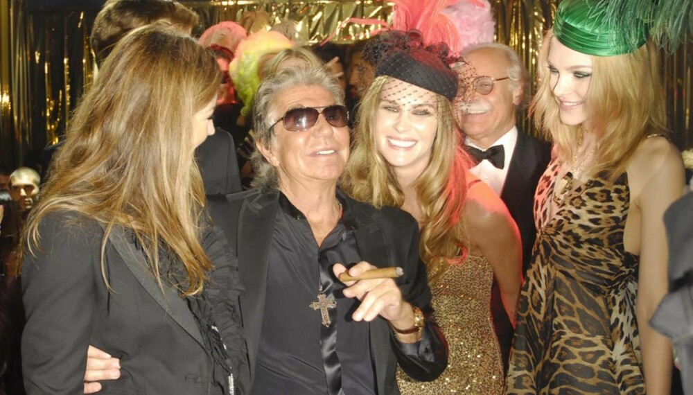 Roberto Cavalli med Eva Cavalli og modellene Erin Wasson og Jessica Stam