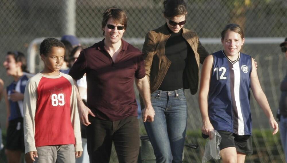 Tom Cruise og Katie Holmes med Toms barn Connor og Isabella
