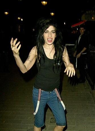 Amy Winehouse på byen i april