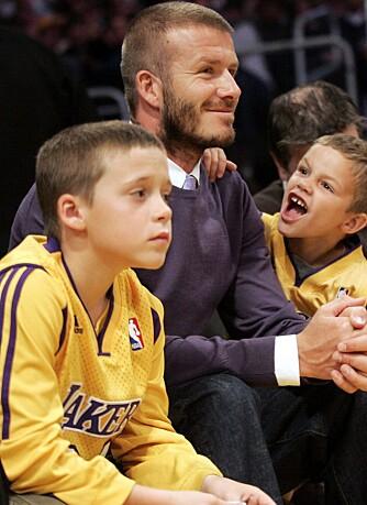 David Beckham med sønnene Brooklyn og Romeo