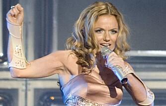 Geri Halliwell under en Spice Girls-konsert