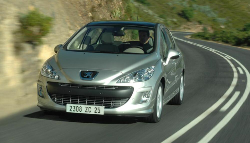 308 får en markant front, akkurat slik vi er blitt vant til å se nye Peugeot-er.