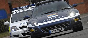 Den politiuniformerte Ferrari´en ledet stafetten, og den skal også brukes i holdingsarbeid for å få folk til å slutte å prate i mobiltelefon mens de kjører.