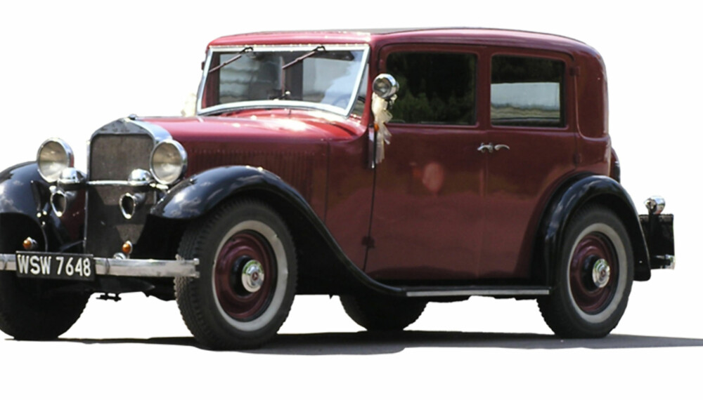 Enkefru Thomson er 105 år, og kjører fortsatt bil hver dag.