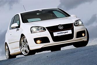 I tillegg til å gi bilen opptil 100 hk ekstra, tilbyr Oettinger en komplett stylingpakke til Golf.