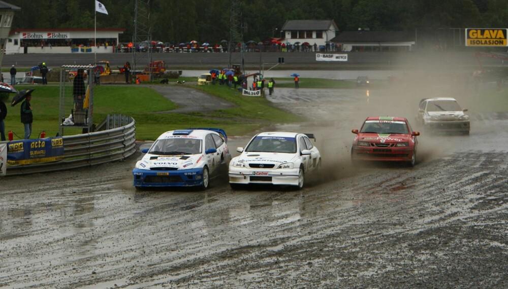Søndagens kjøring ble preget av dårlig vær. (Foto: rallycross.info)